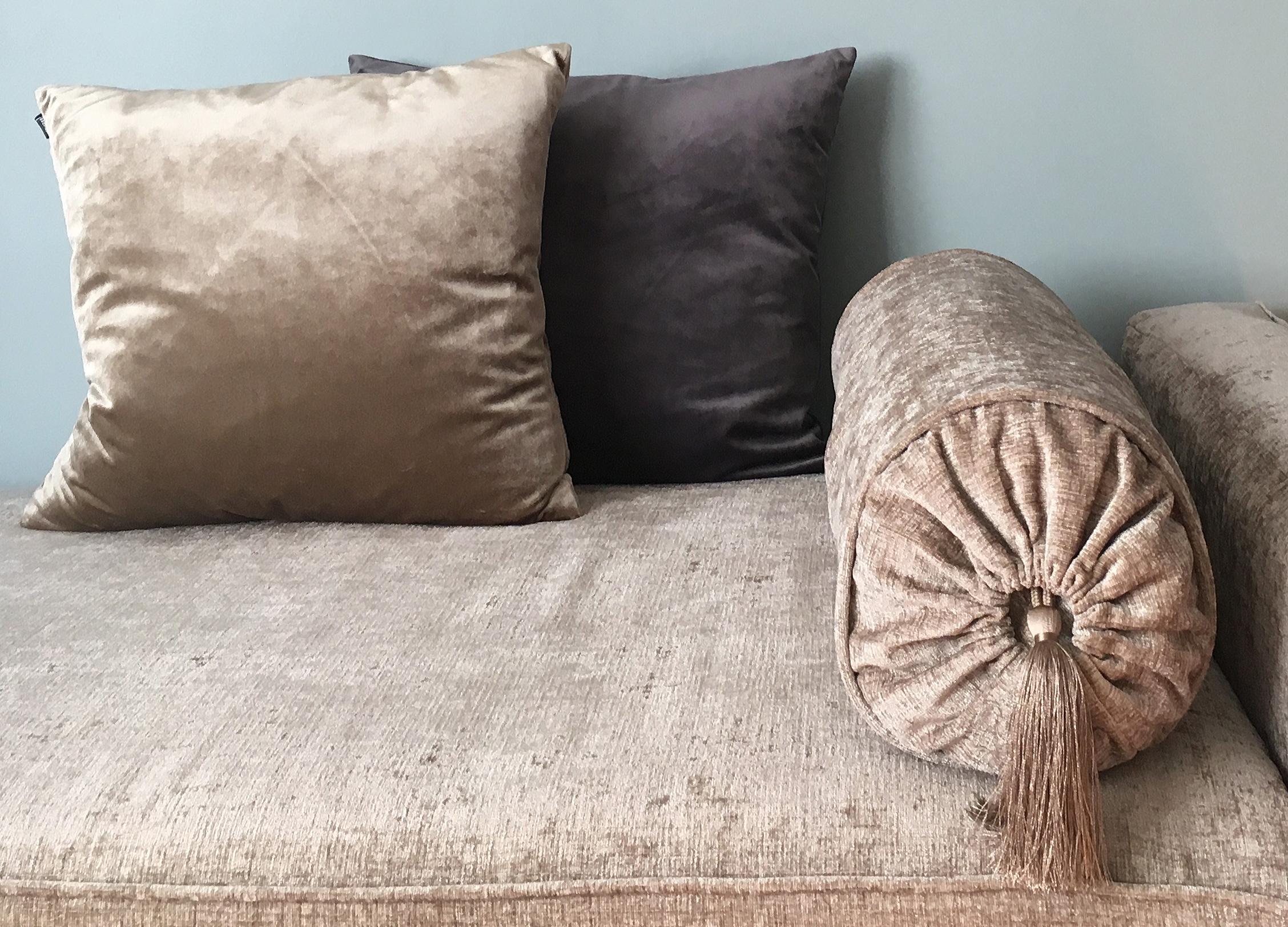 Detaljer från min nya ombyggda soffa i sammet! DIY