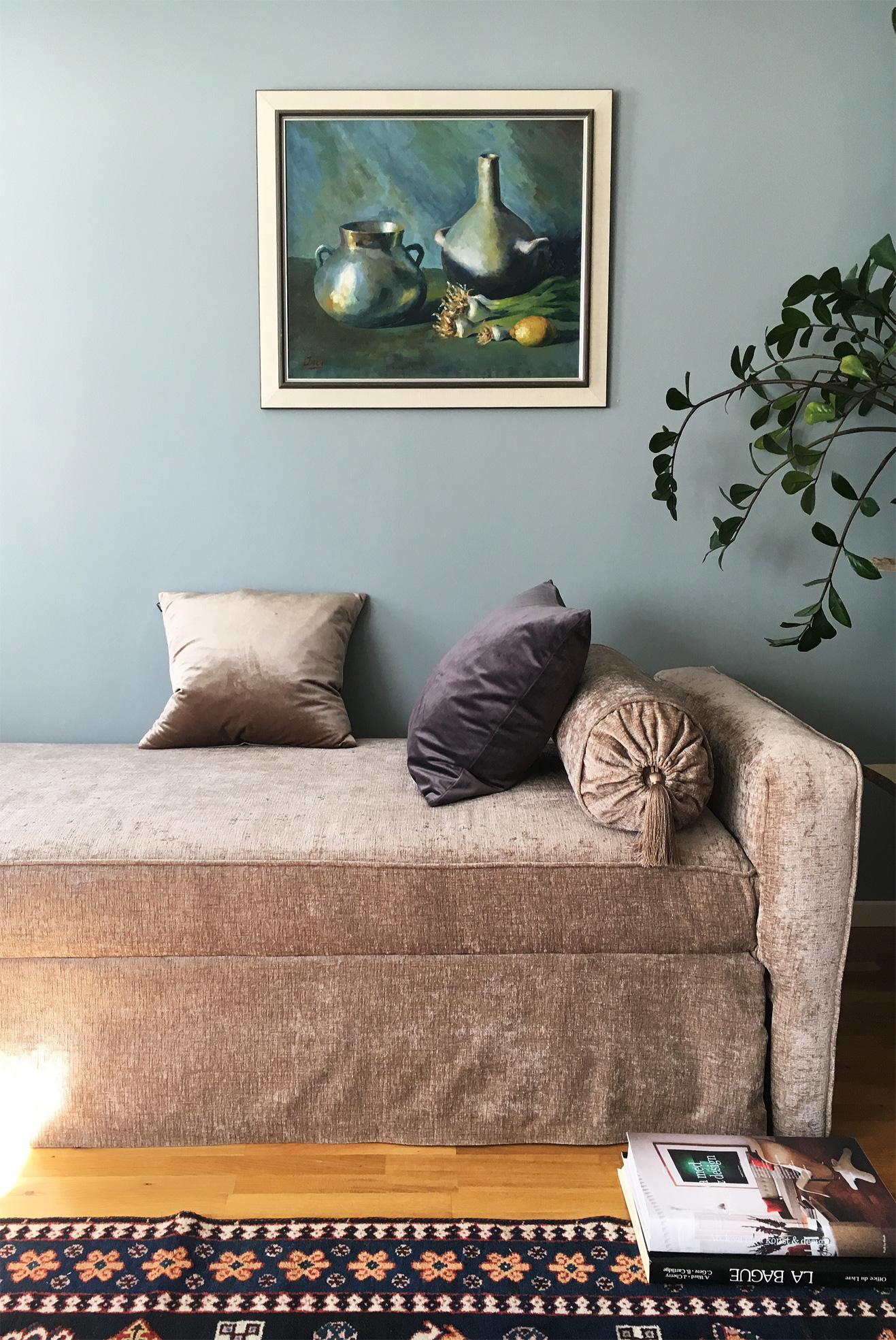 Velvet, sammet, cushions kuddar, sofa, soffa, daybed, dagbädd, recycled sofa