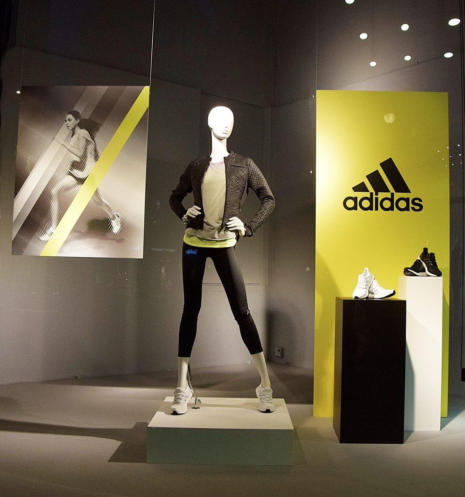 Träningskläder, Adidas, skyltfönster, window display